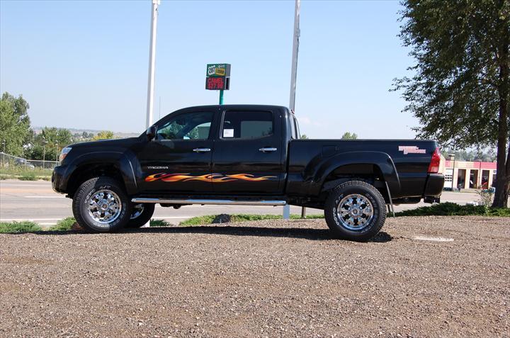 Black pick up truck