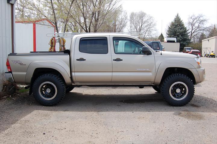 Tan pick up truck