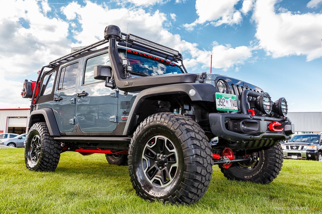 Teal Jeep Side