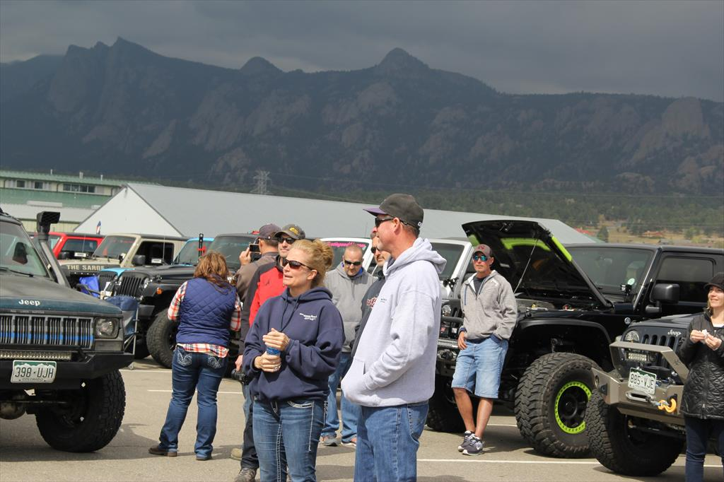 Spectators enjoying the Jeep Jaunt